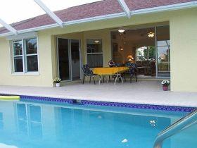 der wohnbereich traumvilla zu mieten in cape coral florida. Black Bedroom Furniture Sets. Home Design Ideas