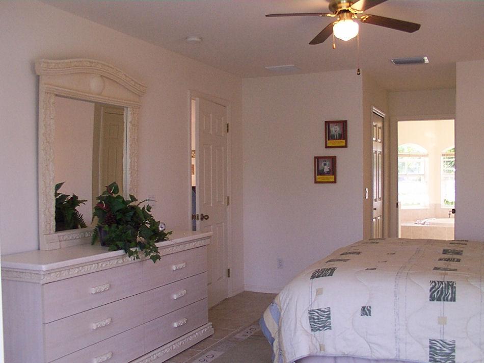 die mastersuite traumvilla zu mieten in cape coral florida. Black Bedroom Furniture Sets. Home Design Ideas